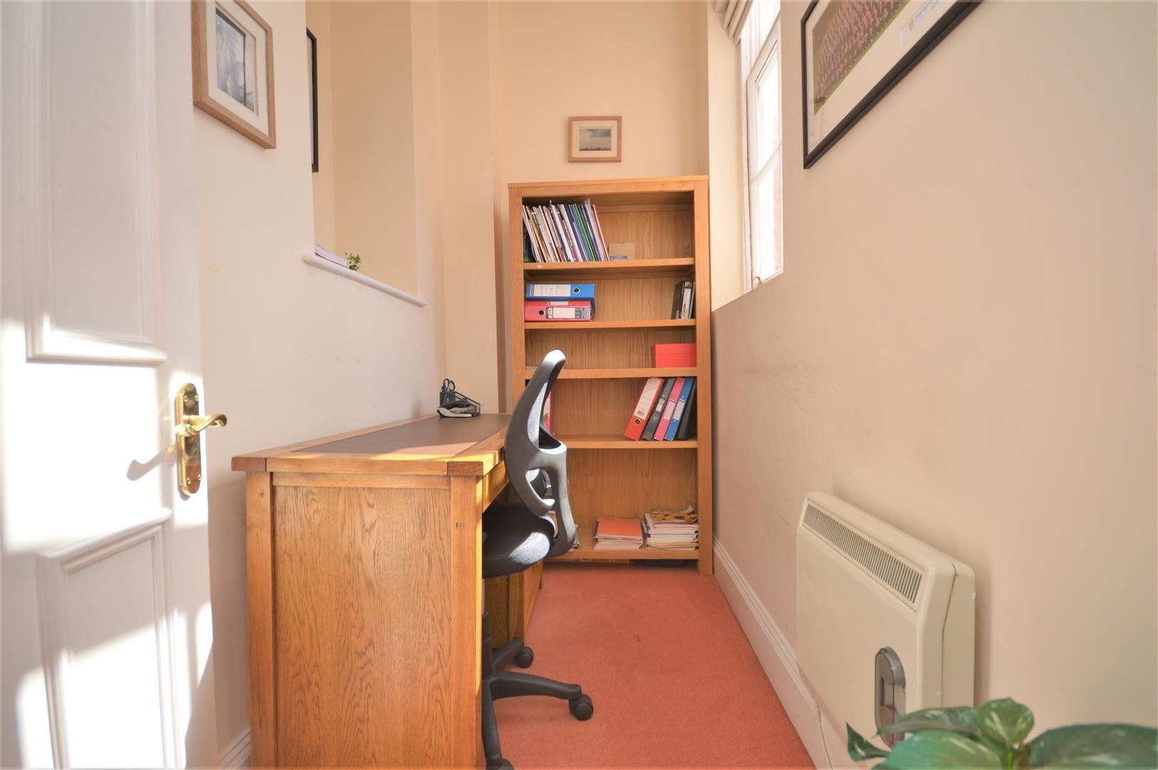 2 bed apartment for sale in Victoria Bridge 13