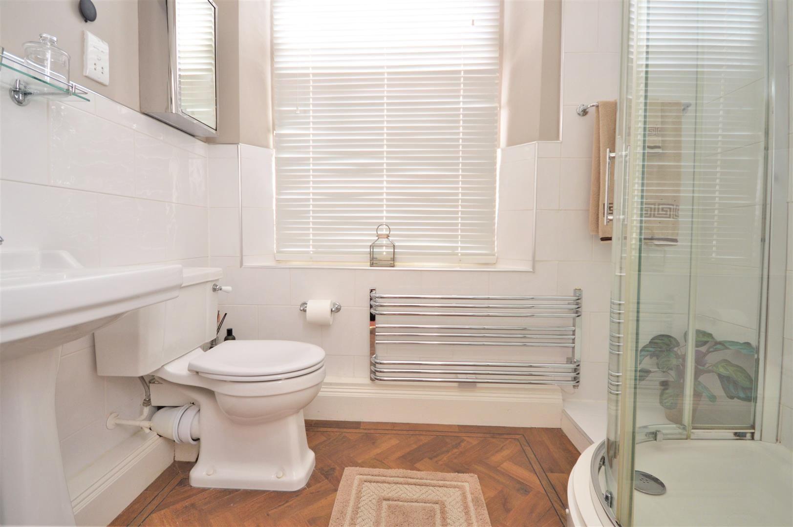2 bed apartment for sale in Victoria Bridge 9