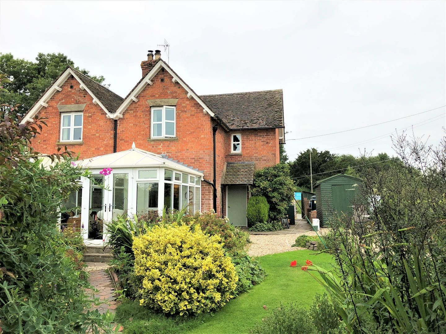 3 bed semi-detached for sale in Lyonshall, HR5