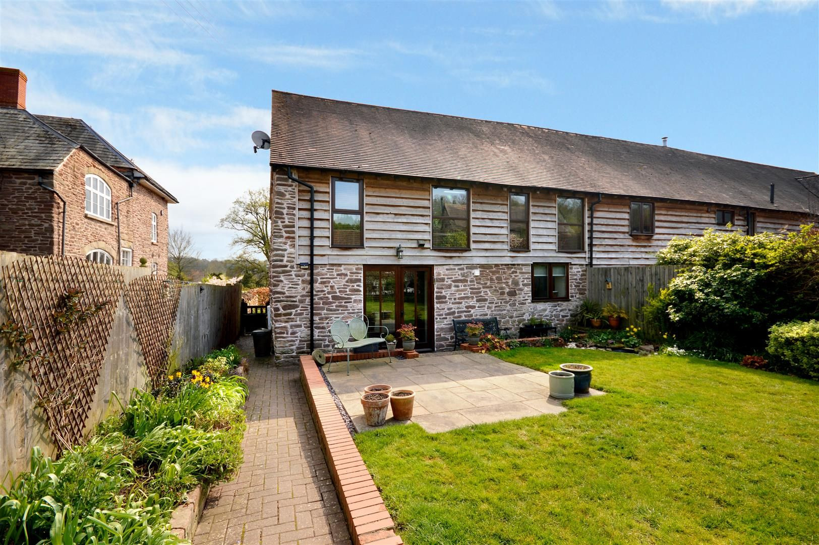 3 bed barn conversion for sale in Bodenham, HR1