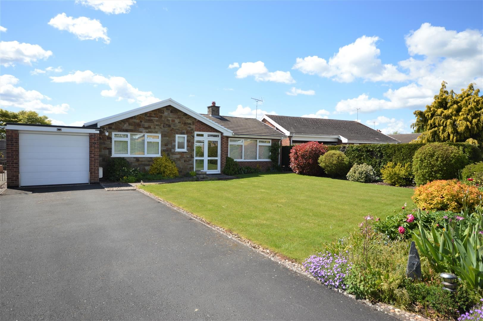3 bed detached bungalow for sale in Bodenham 1