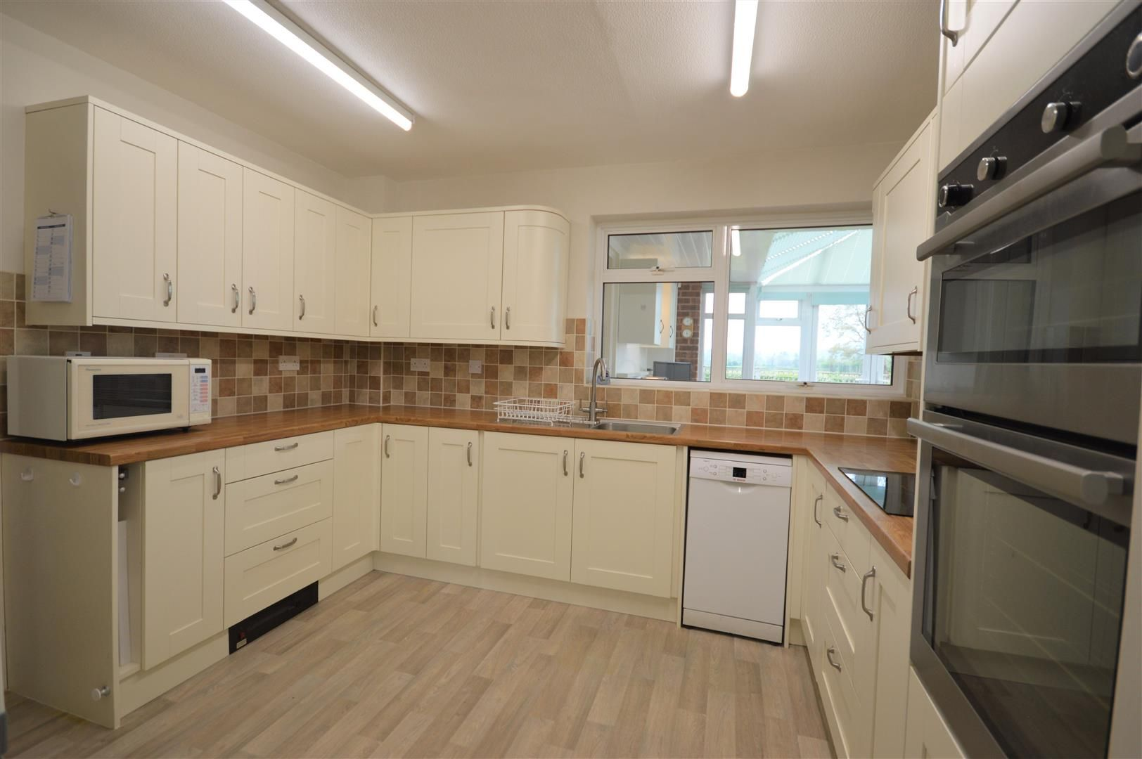 3 bed detached bungalow for sale in Bodenham 6