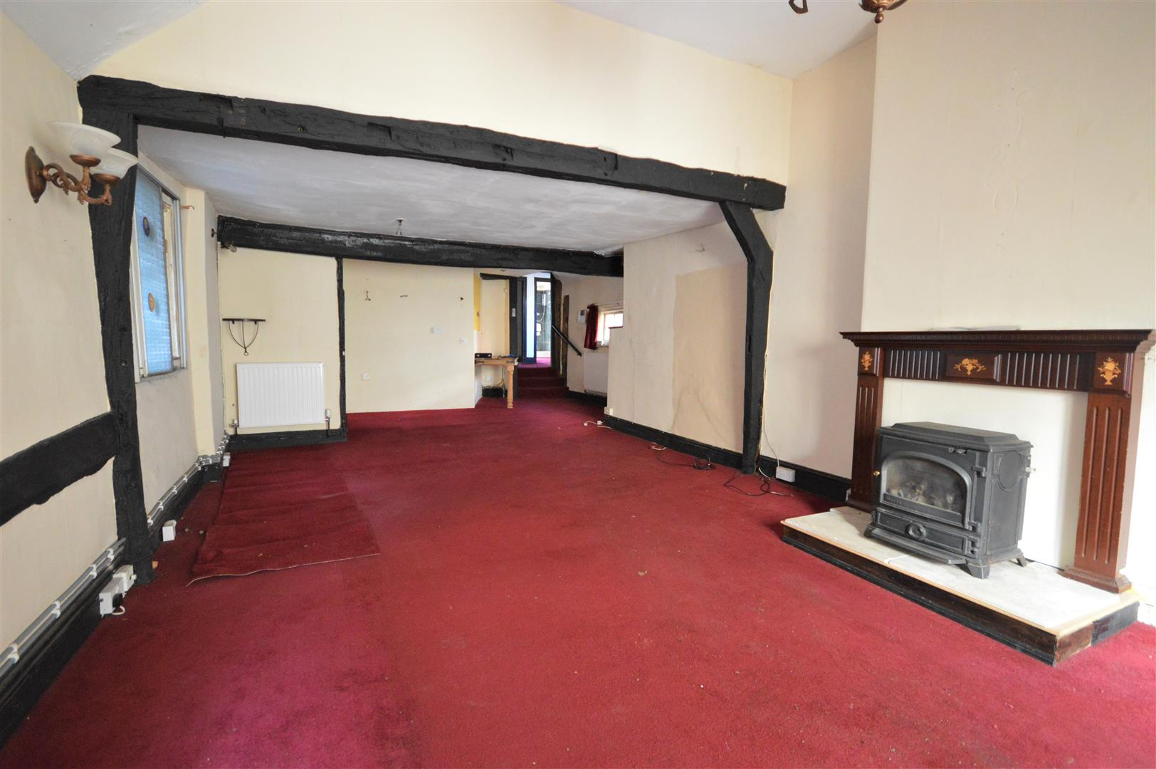 3 bed town house for sale in Leominster 6