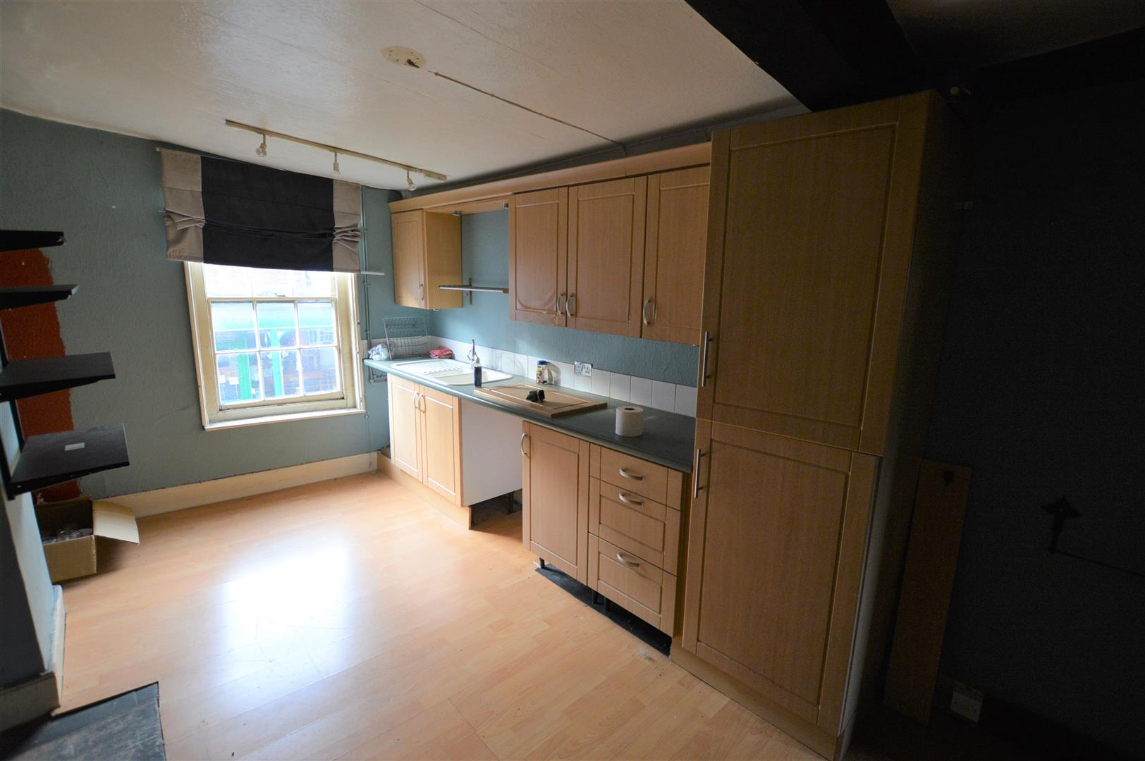 3 bed town house for sale in Leominster 7