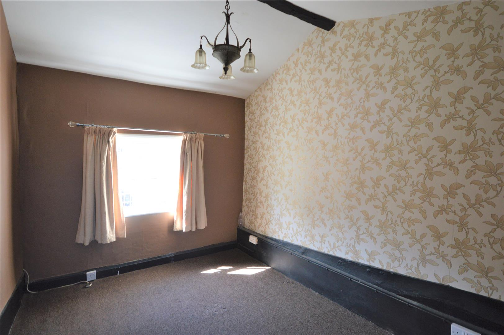 3 bed town house for sale in Leominster 8