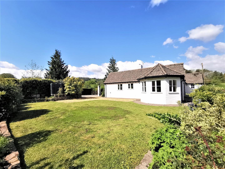 3 bed detached bungalow for sale in Bredwardine, HR3