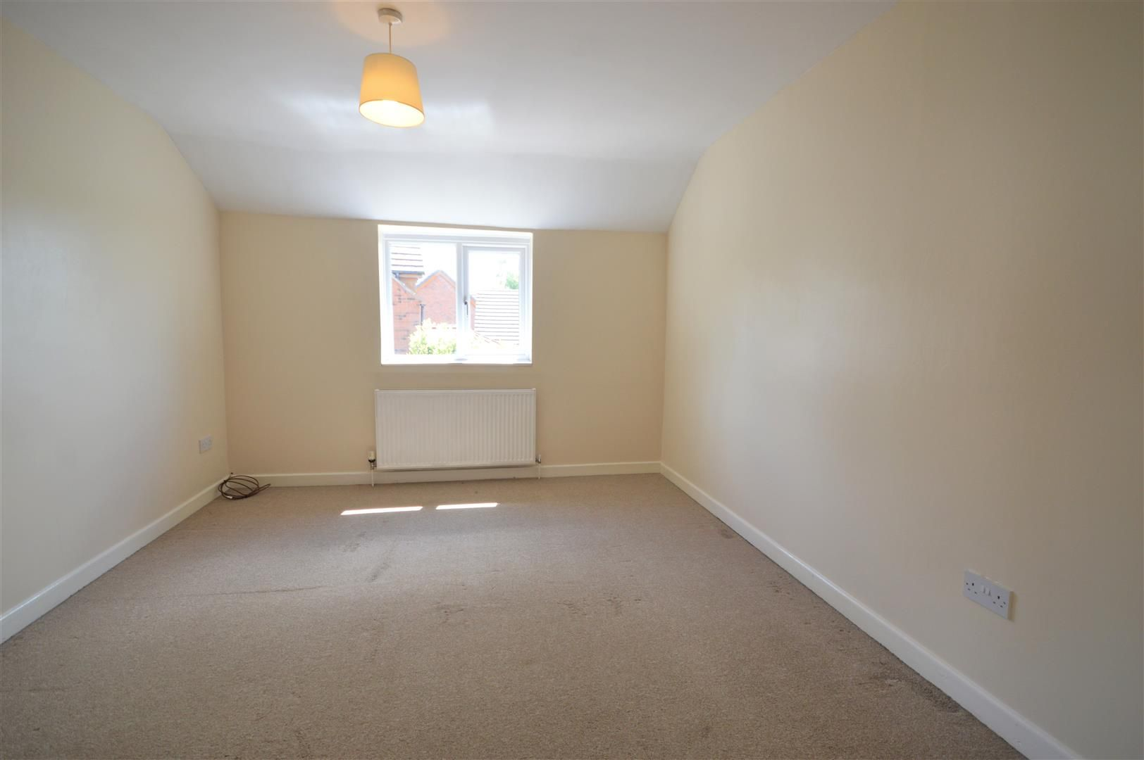 2 bed semi-detached for sale in Kingsland 5