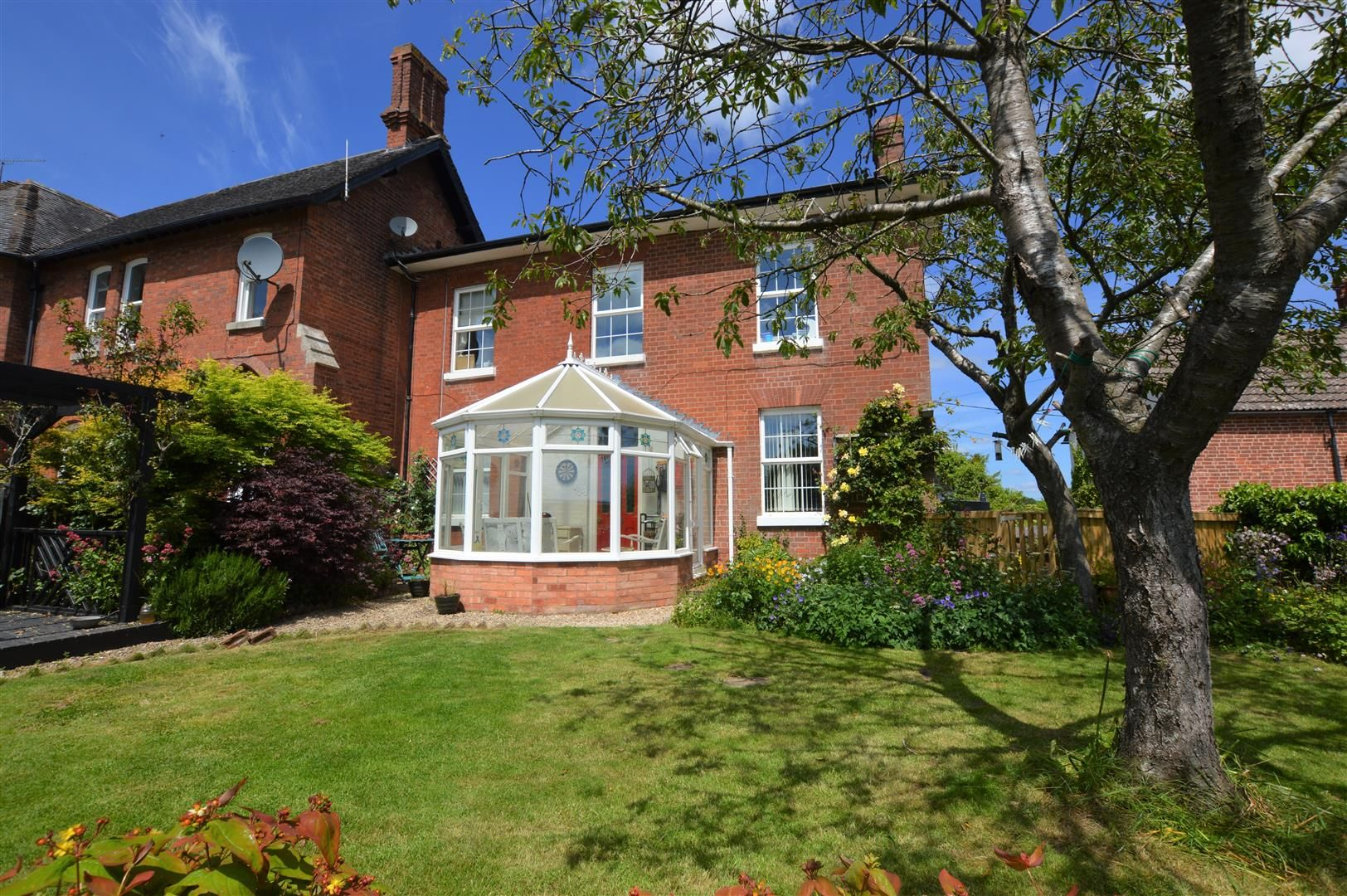 4 bed semi-detached for sale in Monkland, HR6