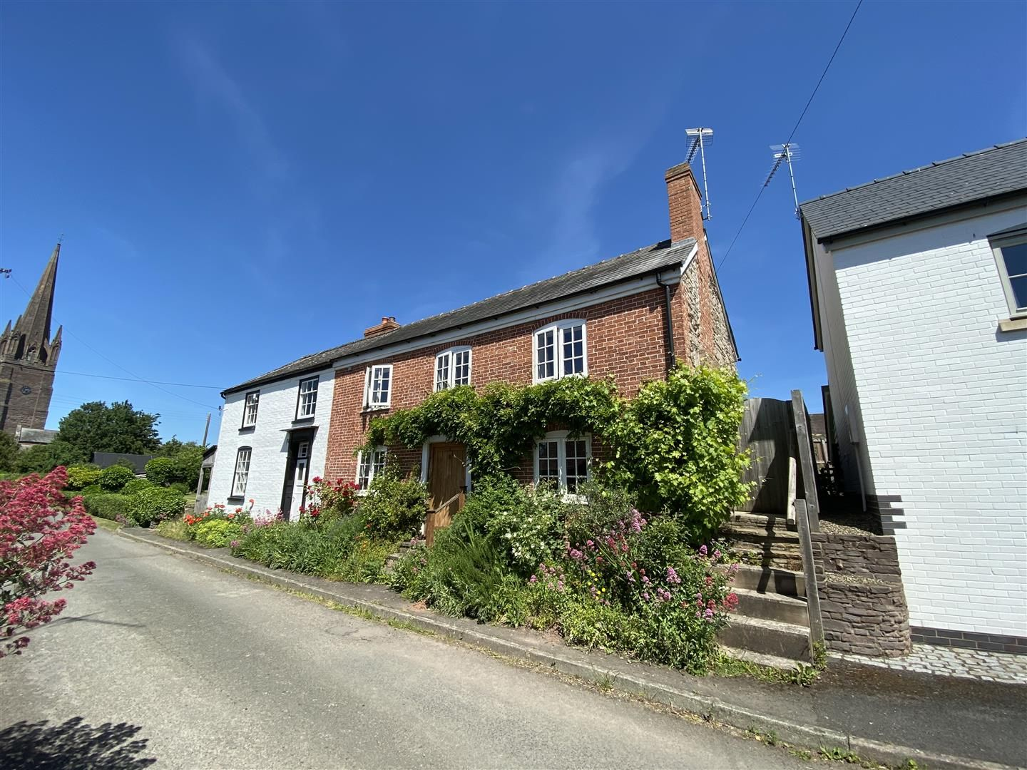 3 bed semi-detached for sale in Weobley, HR4