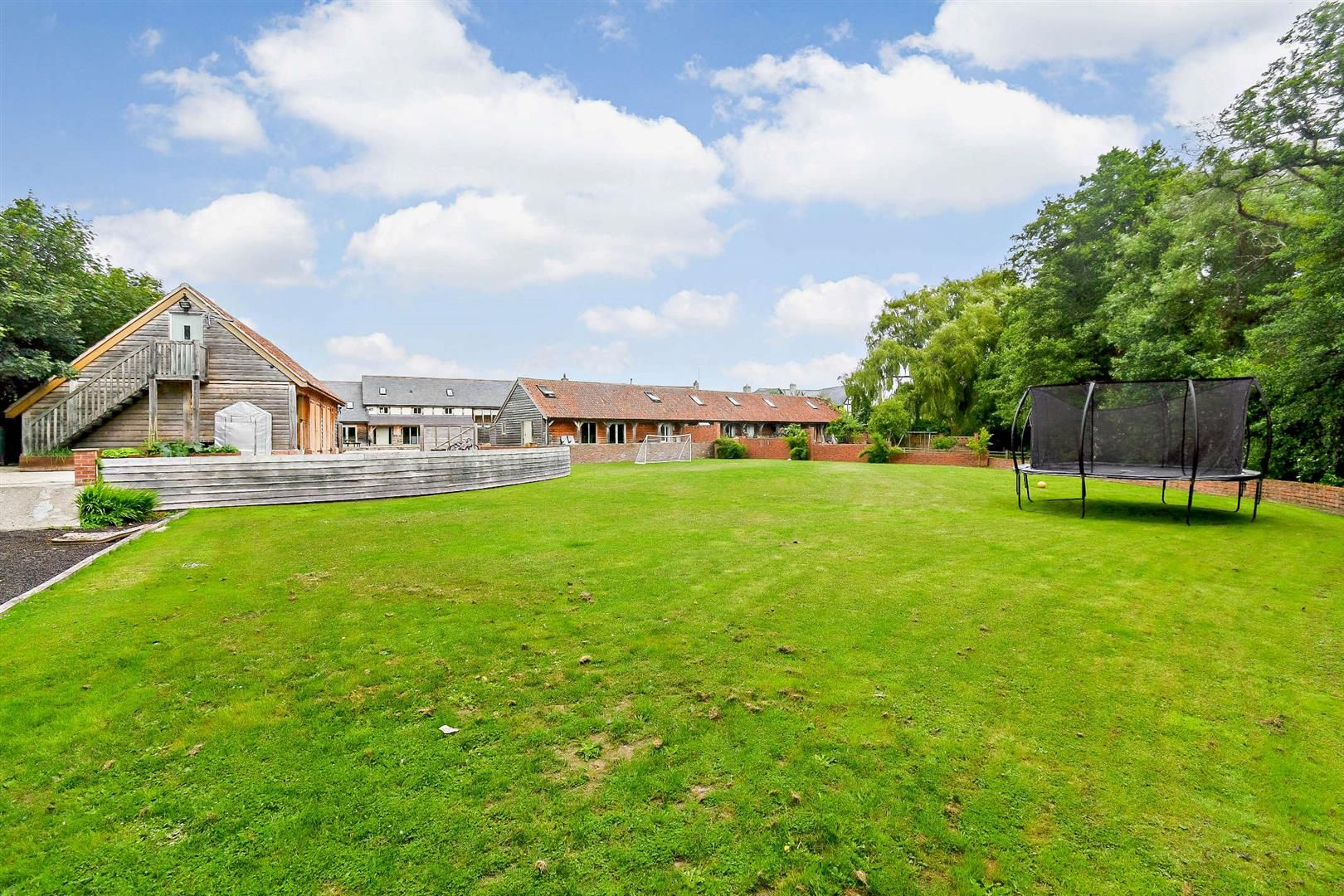5 bed link detached house for sale in Winforton, HR3