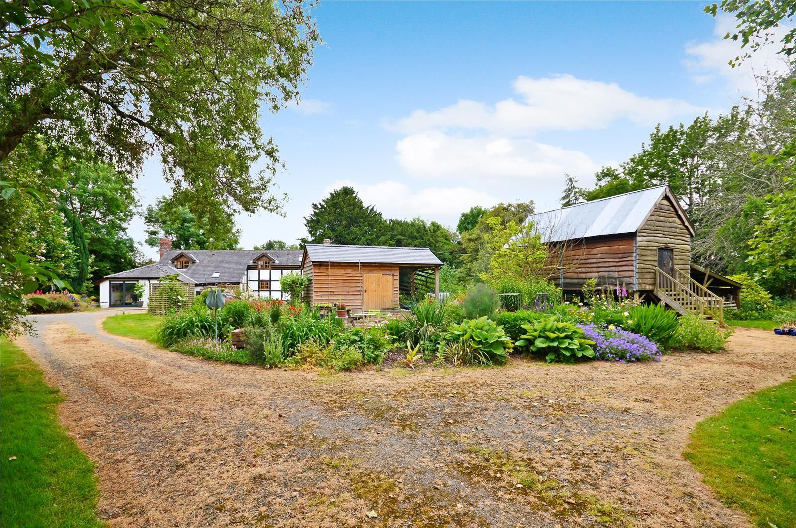3 bed detached for sale in Letton, HR3