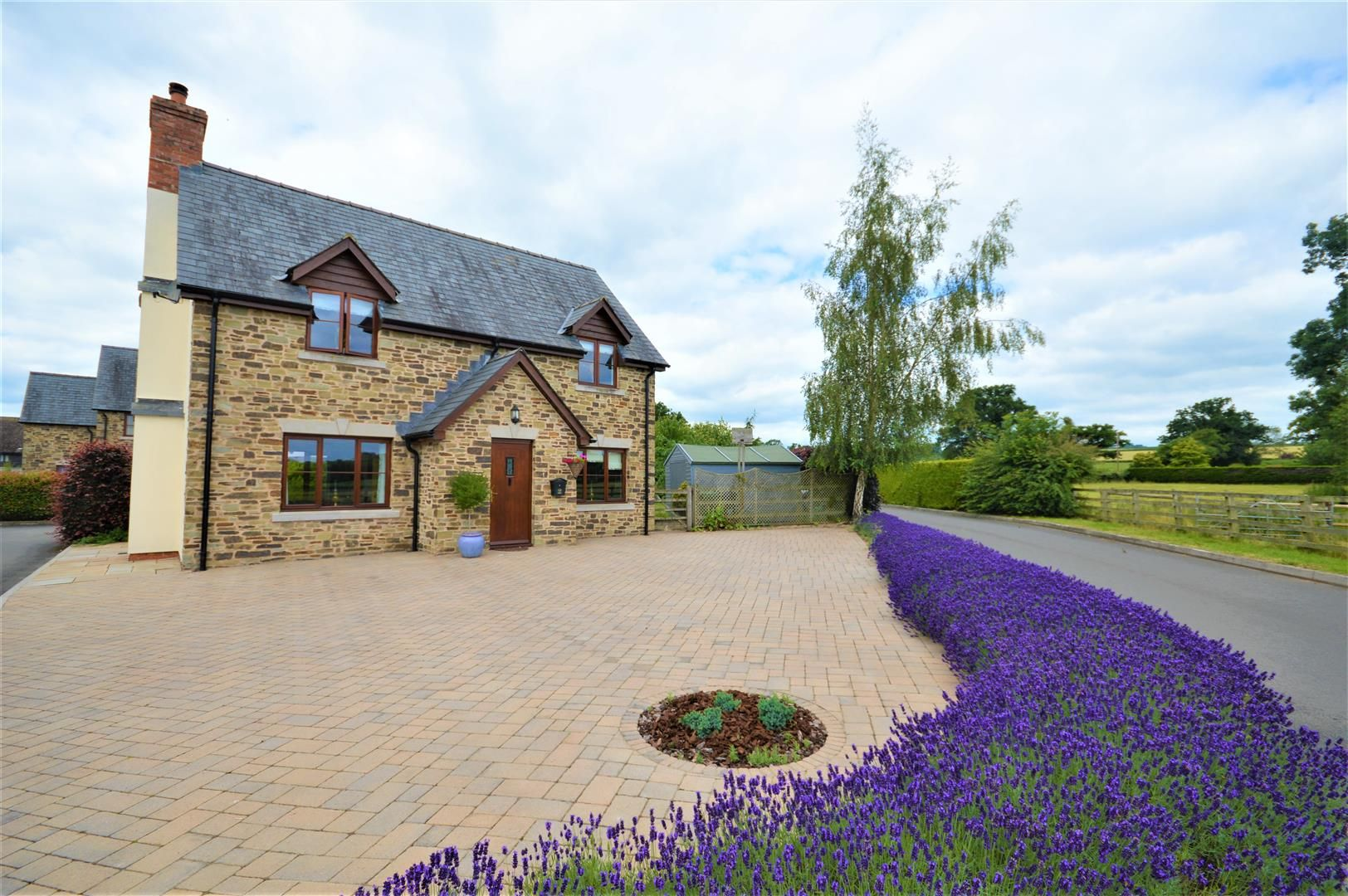 4 bed detached for sale in Eardisley - Property Image 1