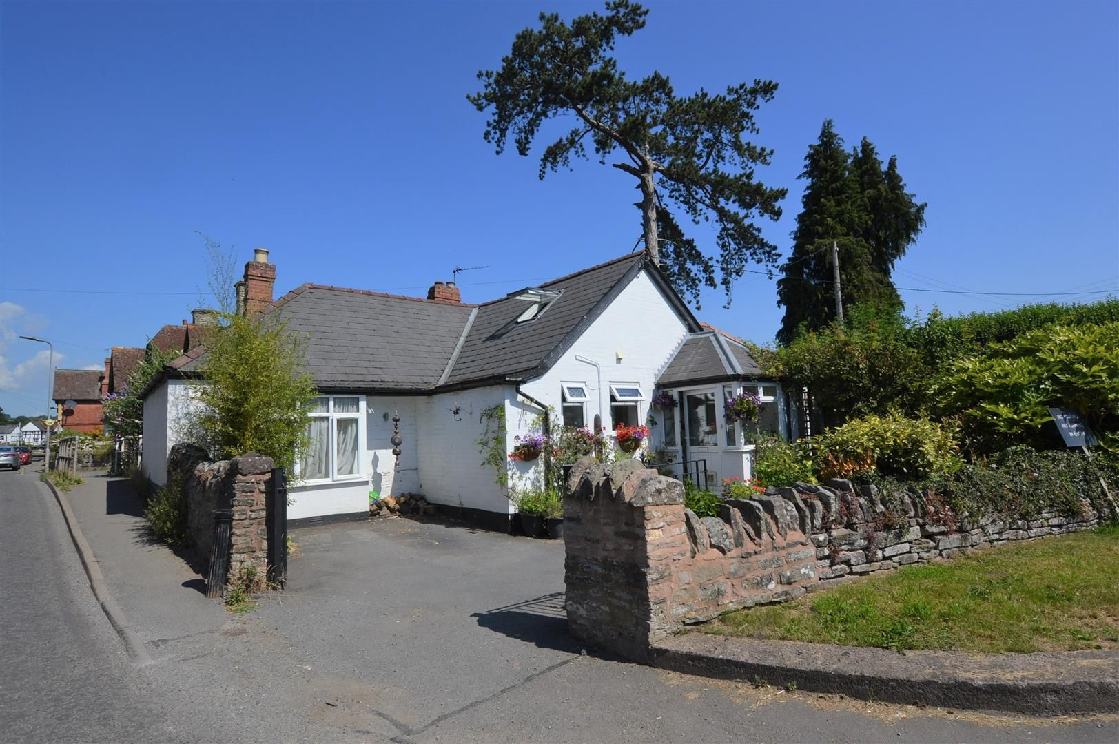 2 bed detached bungalow for sale in Eardisley, HR3