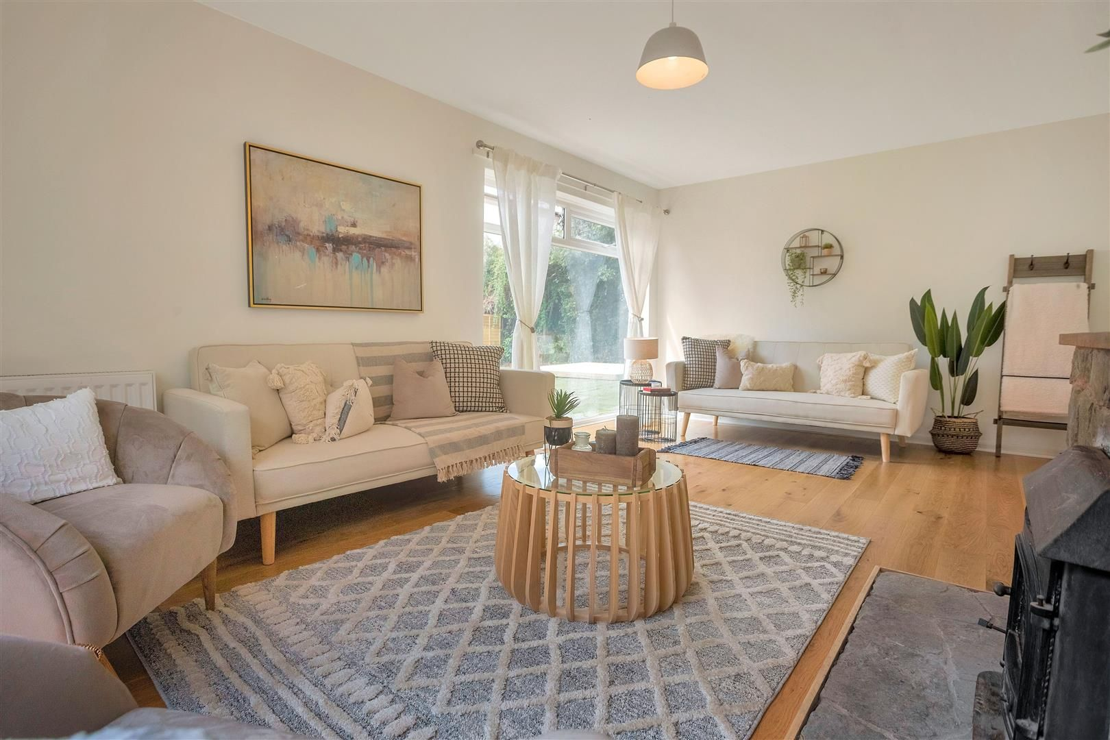 4 bed detached for sale in Luston 3