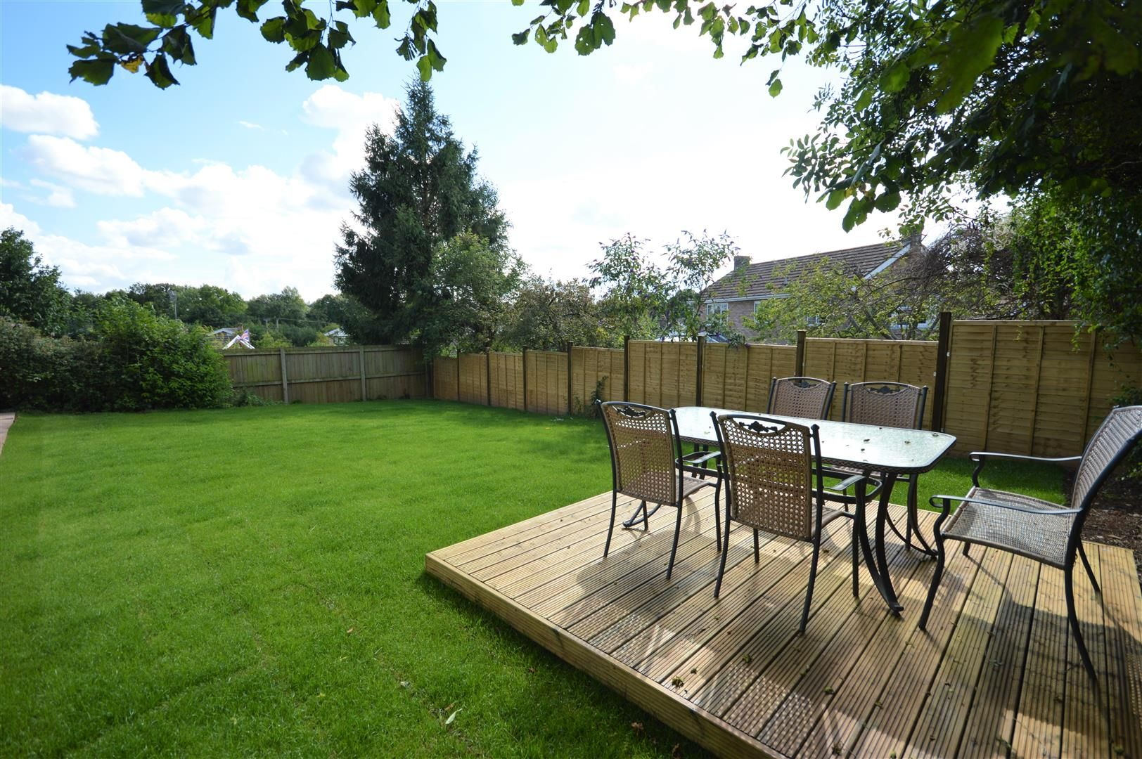 4 bed detached for sale in Luston 27