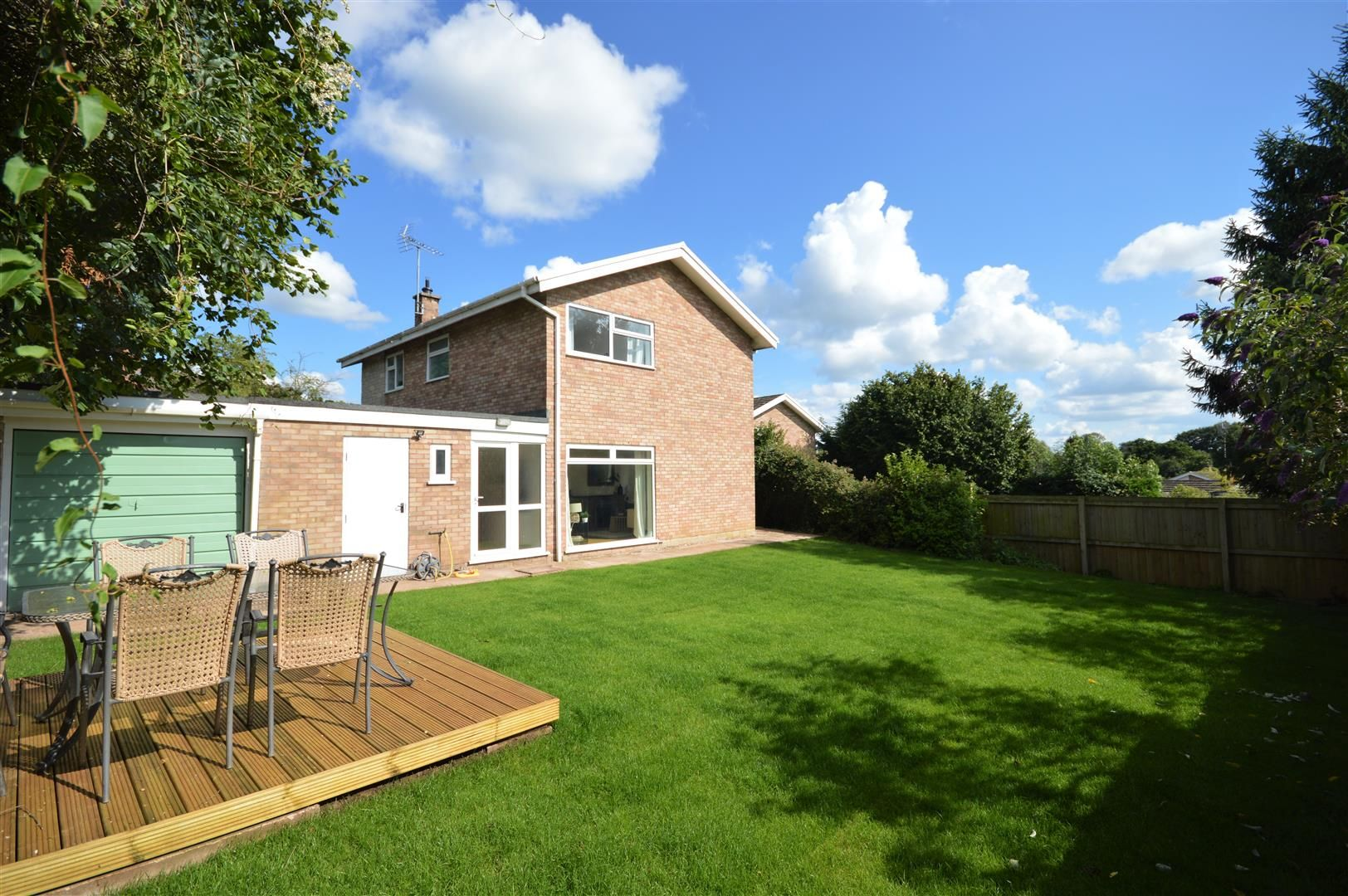 4 bed detached for sale in Luston 28