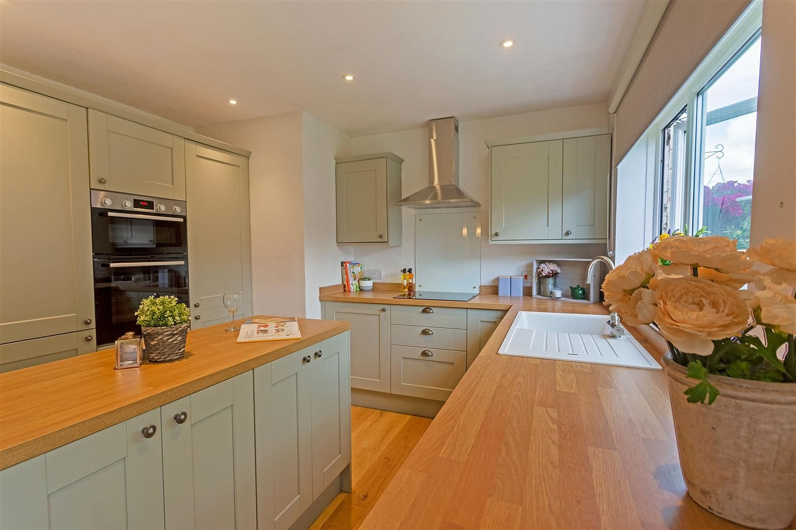 4 bed detached for sale in Luston 7