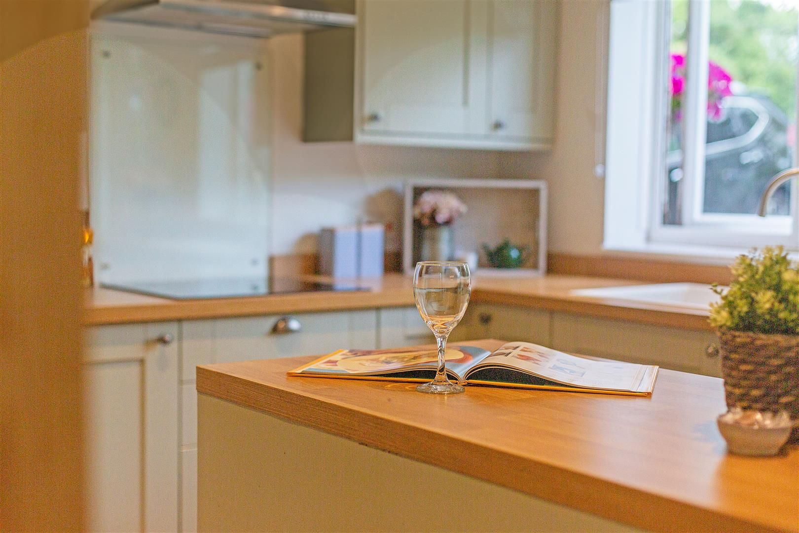 4 bed detached for sale in Luston 8