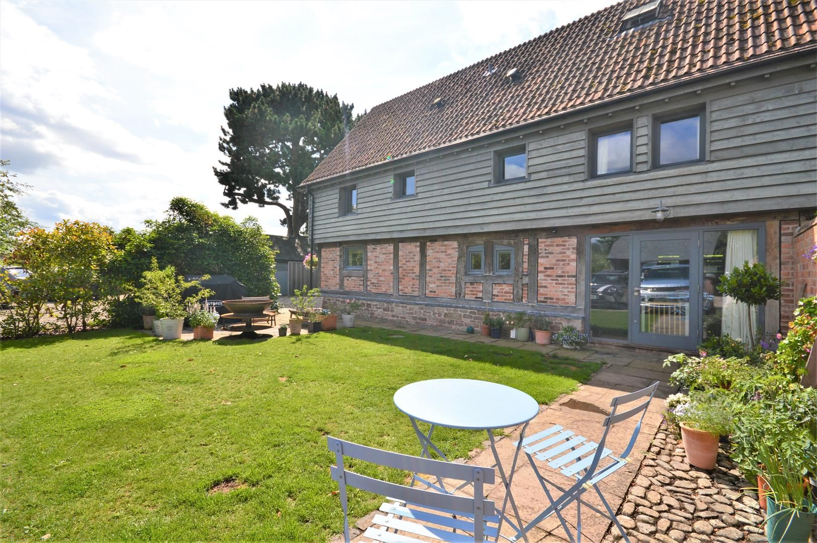 4 bed barn conversion for sale in Lower Breinton, HR4