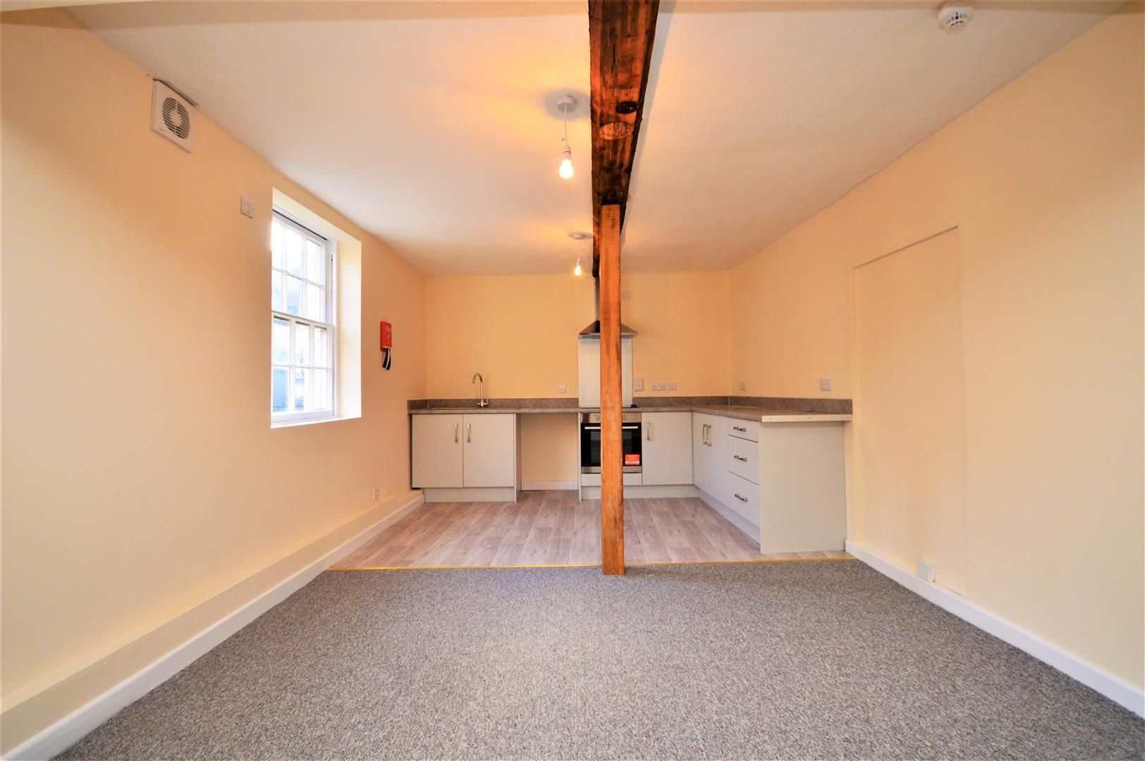 2 bed flat for sale in Hereford, HR4