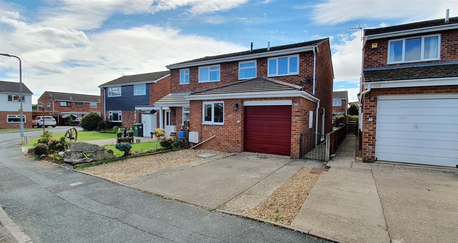 3 bed semi-detached to rent in Credenhill, HR4