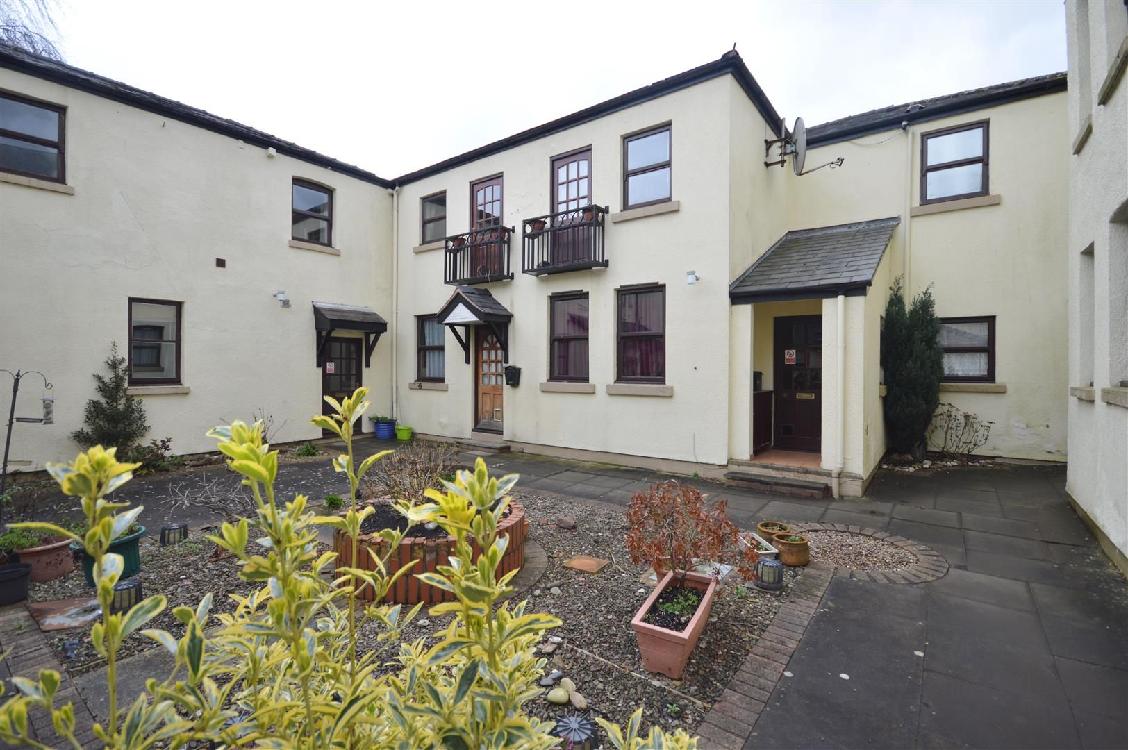 1 bed apartment to rent in Linton, HR7
