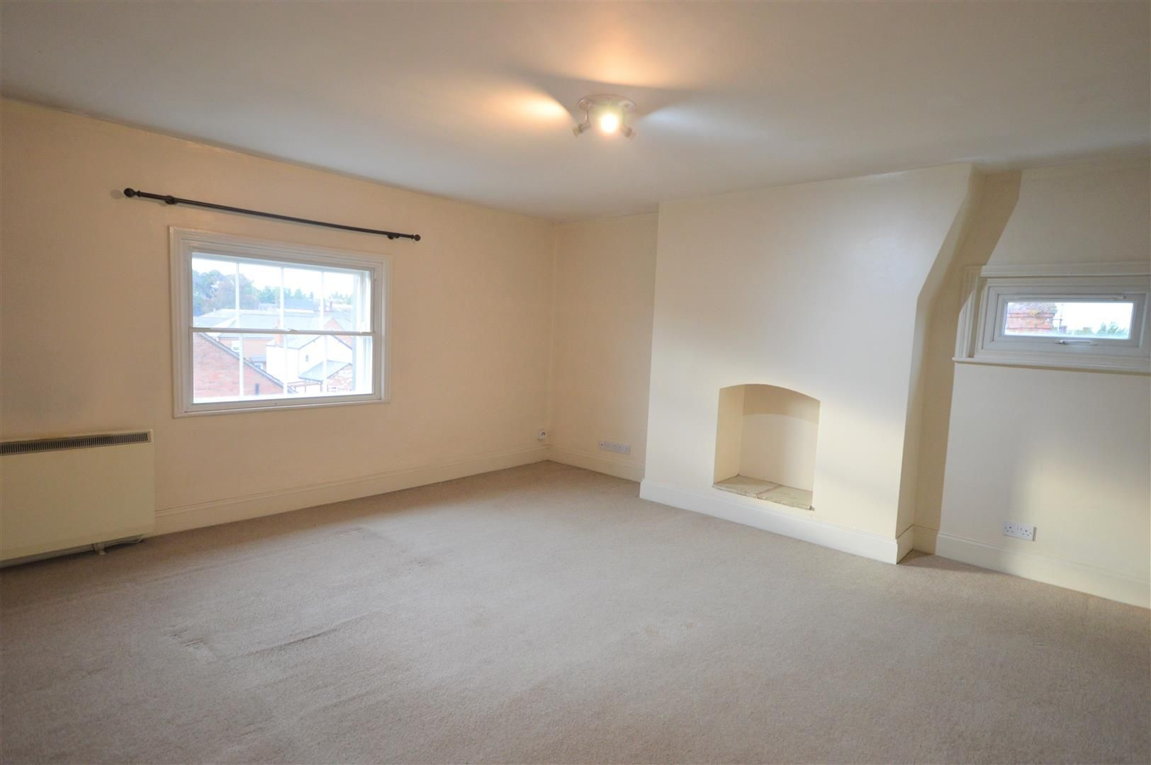 2 bed flat for sale in Leominster, HR6