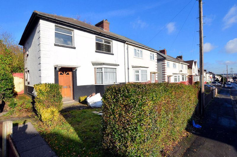 3 bed house for sale in Wallace Road 1