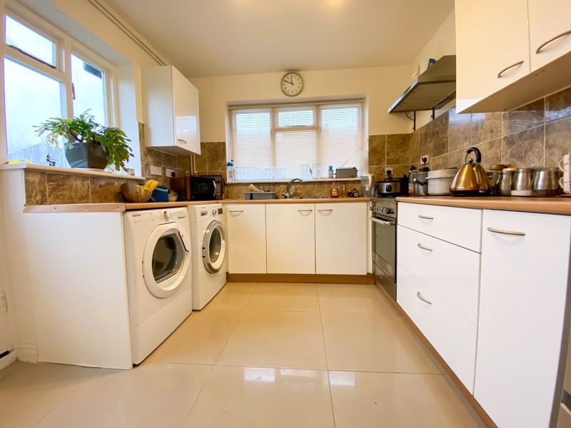 3 bed house to rent in Lyttleton Avenue  - Property Image 2
