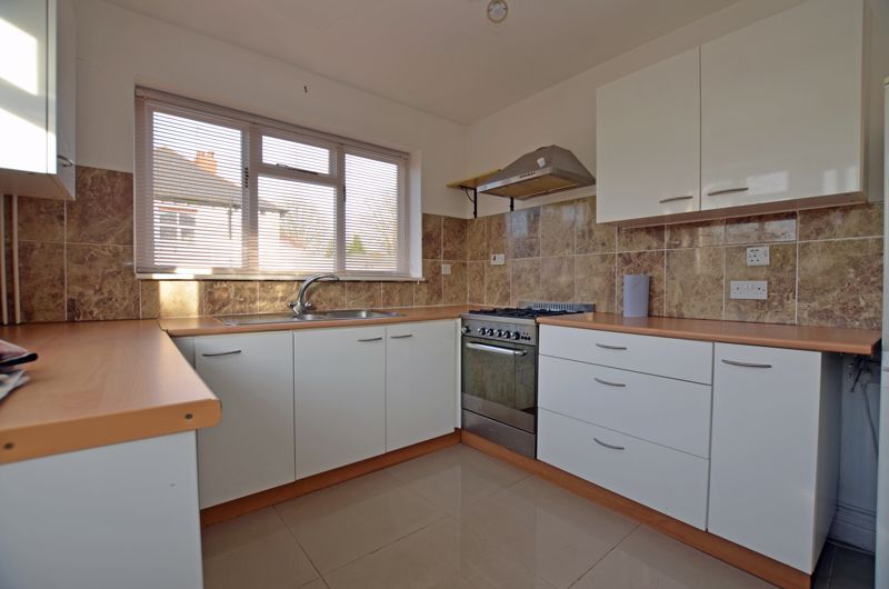 3 bed house to rent in Lyttleton Avenue 9