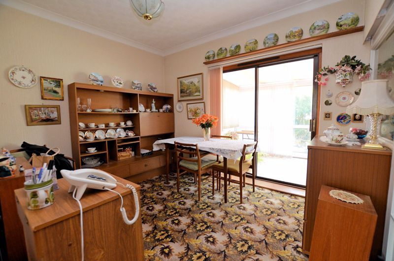 2 bed house for sale in Lansdowne Road 3