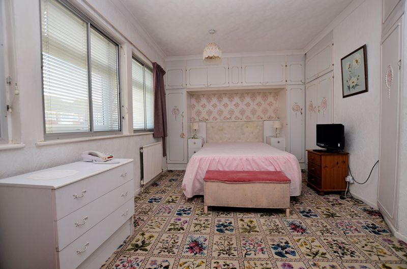 2 bed house for sale in Lansdowne Road  - Property Image 8