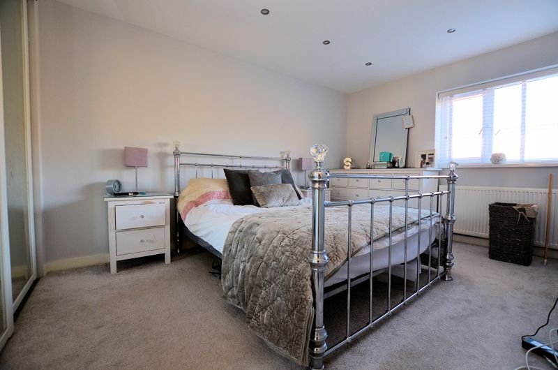 3 bed house for sale in First Meadow Piece  - Property Image 5