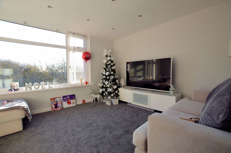 3 bed house for sale in First Meadow Piece  - Property Image 8