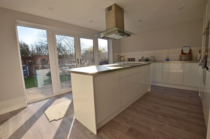 3 bed house for sale in First Meadow Piece  - Property Image 10