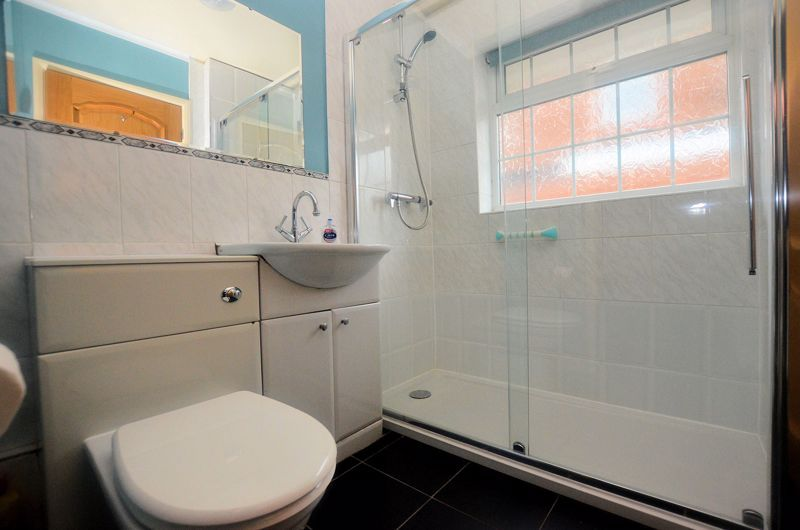 2 bed bungalow for sale in Woodbury Road  - Property Image 7