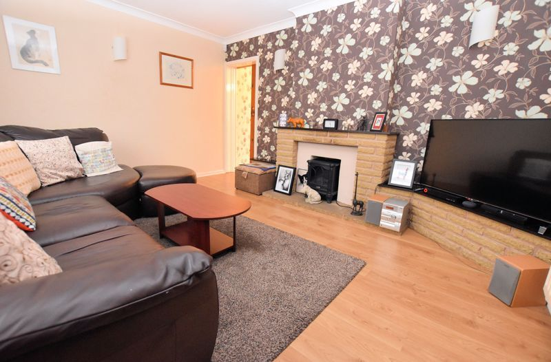 3 bed house for sale in Fleming Road 5