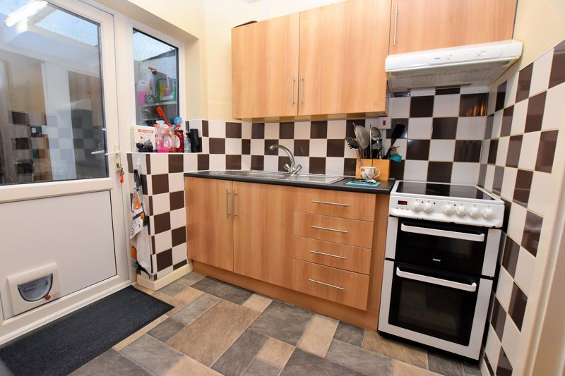3 bed house for sale in Fleming Road 7
