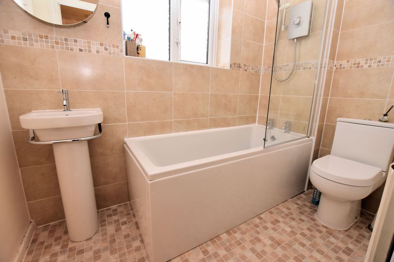 3 bed house for sale in Fleming Road  - Property Image 9