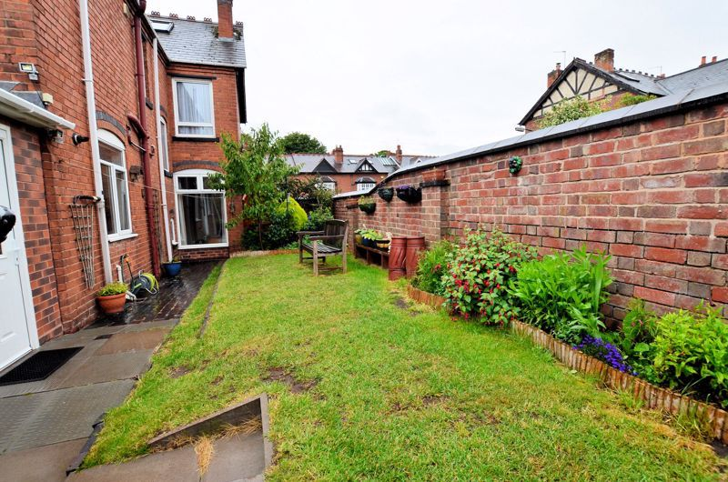 4 bed house for sale in Rathbone Road 11