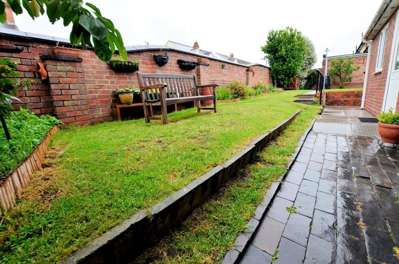 4 bed house for sale in Rathbone Road  - Property Image 13