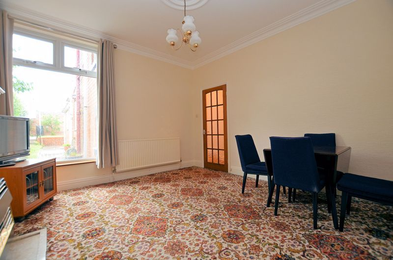 4 bed house for sale in Rathbone Road  - Property Image 3
