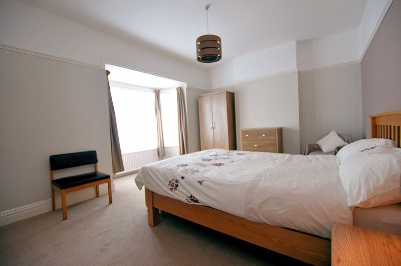 4 bed house for sale in Rathbone Road 6