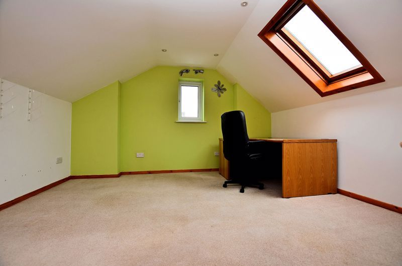 4 bed house for sale in Rathbone Road  - Property Image 8