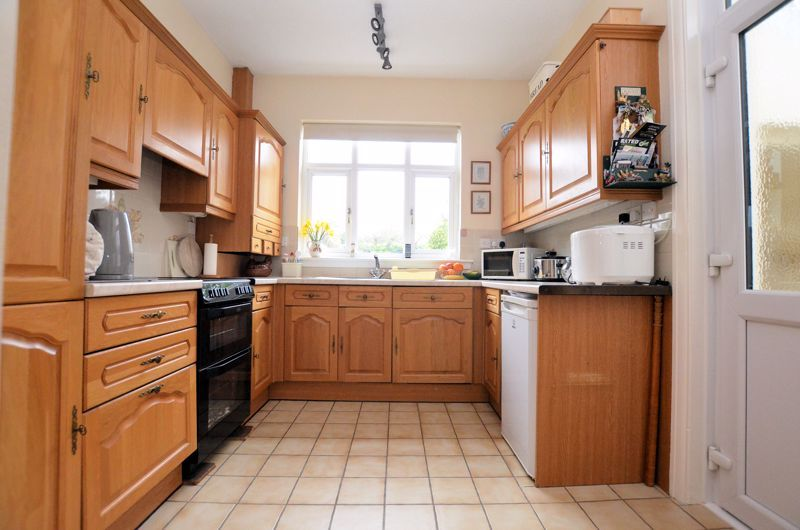 3 bed house for sale in Stoney Lane 3