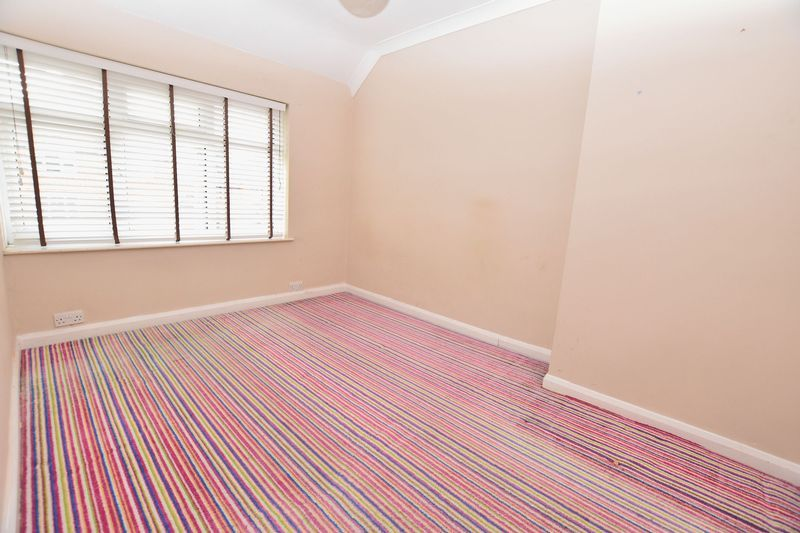 3 bed house to rent in Mavis Gardens 4