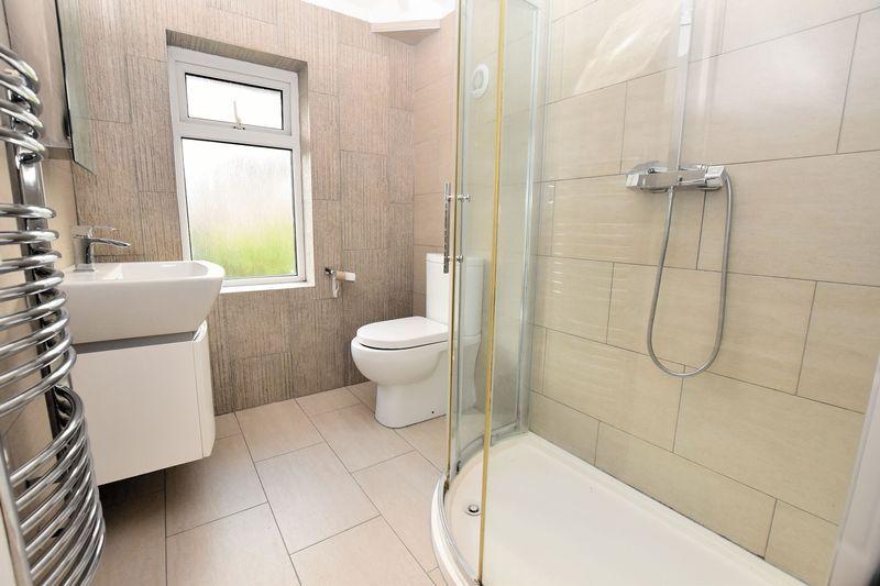 3 bed house to rent in Mavis Gardens 9