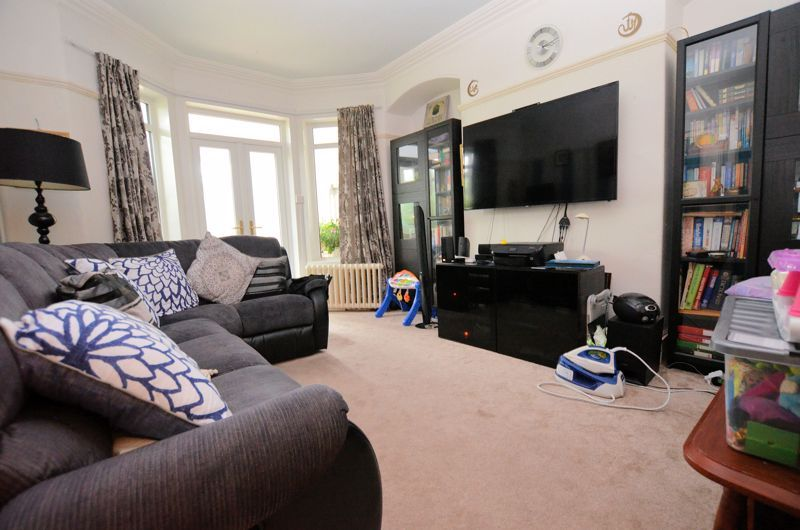 4 bed house for sale in West Park Road  - Property Image 2
