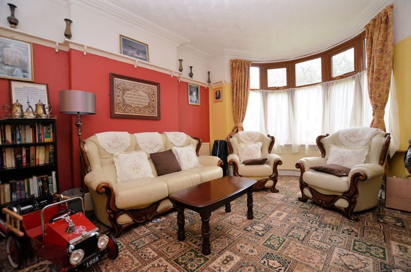 4 bed house for sale in West Park Road  - Property Image 3