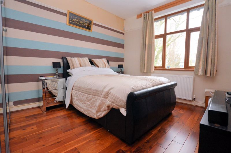4 bed house for sale in West Park Road  - Property Image 6